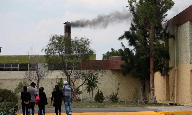 Tres horas a 650 grados: Así incinera un crematorio durante pandemia