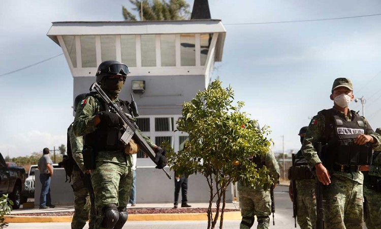 Riña en Puente Grande deja 7 muertos y 9 heridos