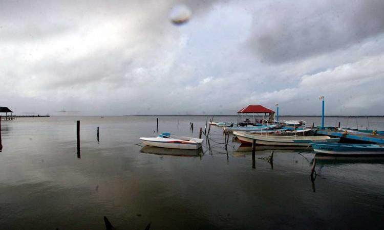 Prevén tormentas en sureste de México por depresión tropical