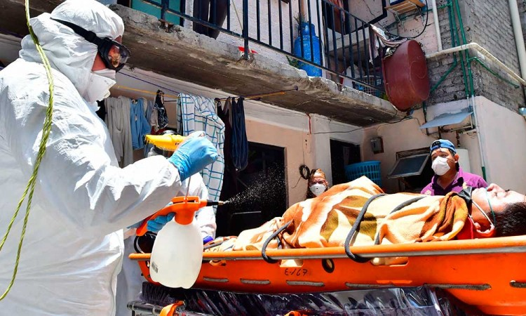 México rompe récord en contagios: 5,222 nuevos casos en un día