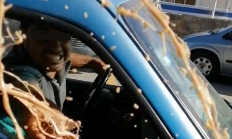Video: Hombre lanza café hirviendo a enfermera del IMSS