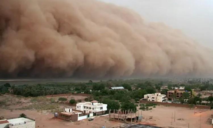Expertos alertan afectaciones por nube de polvo del Sahara