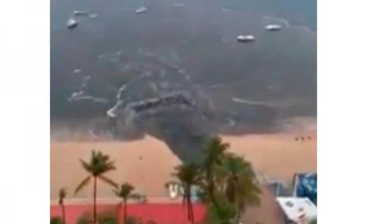 Captan vertedero de aguas negras en playas de Acapulco