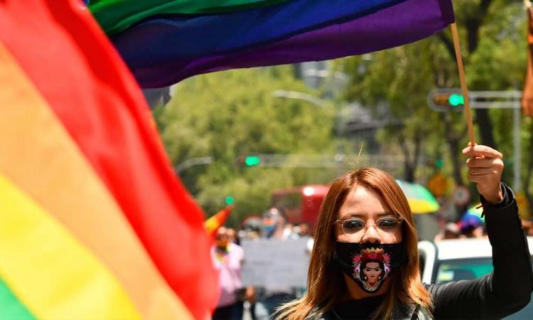 México celebra Día del Orgullo de manera virtual y en calles
