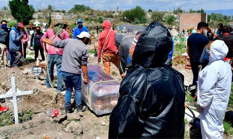 Pandemia, pobreza y desinformación golpean las afueras de Ciudad de México