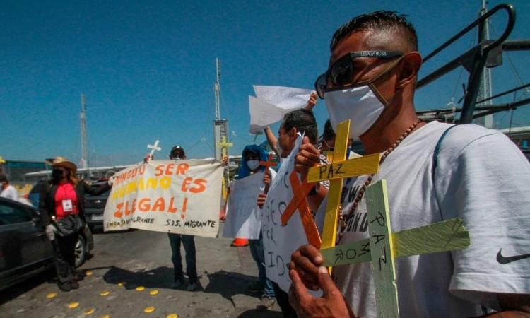 Atienden refugios temporales de migrantes en frontera México-Estados Unidos