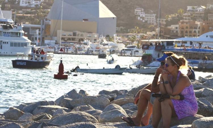 Baja California Sur cierra de nuevo sus turísticas playas ante más contagios