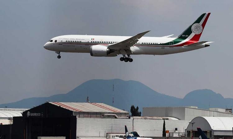Aterriza avión presidencial en CDMX para mantenimiento previo a su venta