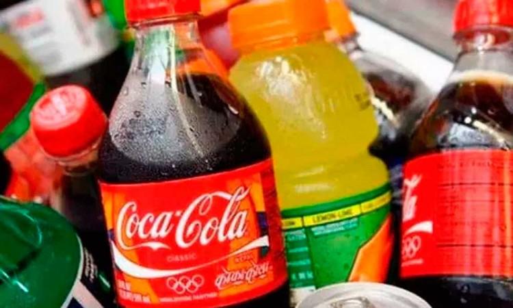 En México mueren 40 mil personas al año por refrescos; urgen a regularlo