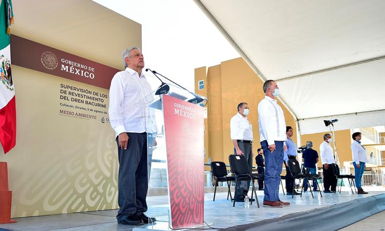 AMLO inicia homenajes diarios para víctimas de COVID-19 en México