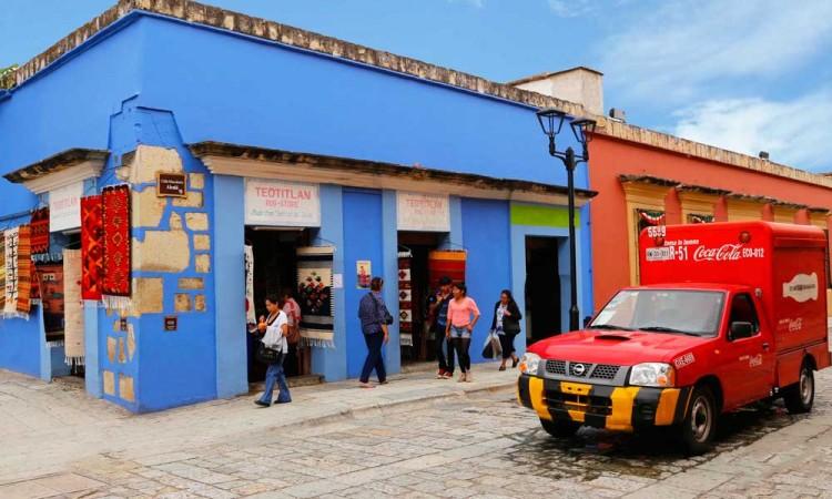 Empresas se oponen a prohibición de alimentos chatarra a niños de Oaxaca