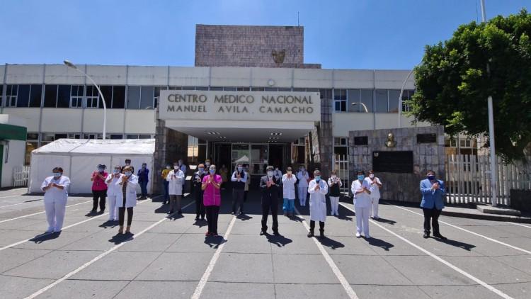 Personal del IMSS rinde homenaje a quienes han fallecido por COVID-19