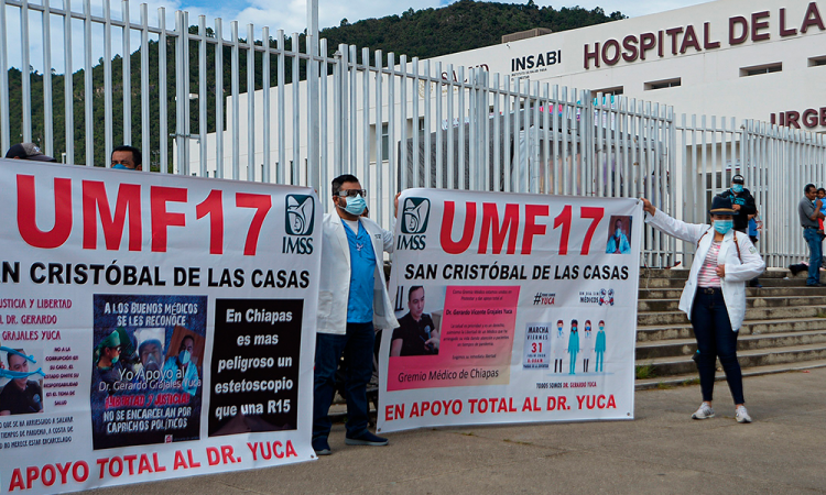 Marchan en Chiapas para exigir libertad de médico