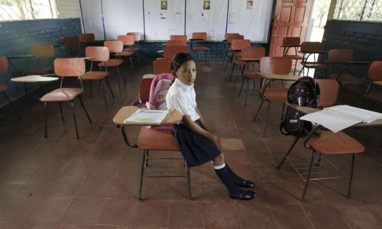 Renuncian a la escuela 2.5 millones de estudiantes por pandemia