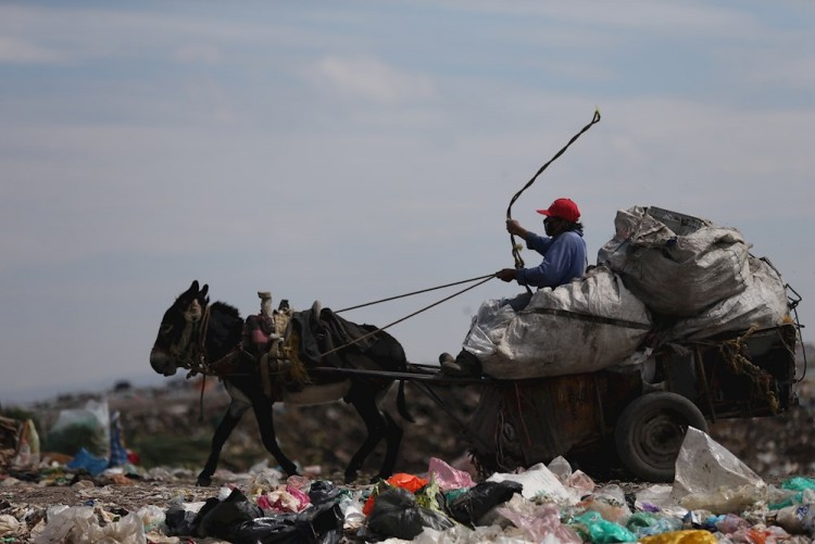 Aquí no hay excusas si no traes cubrebocas no trabajas: líder de pepenadores en Nezahualcóyotl