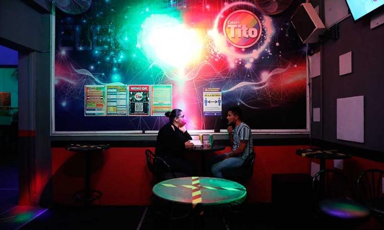 La vida LGBT de la Zona Rosa se reinventa para sobrevivir