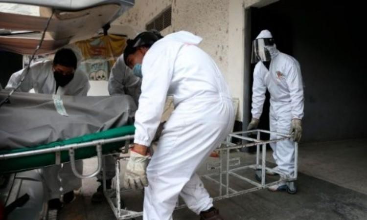 Superarán decesos por Covid-19 cifra de homicidios en México
