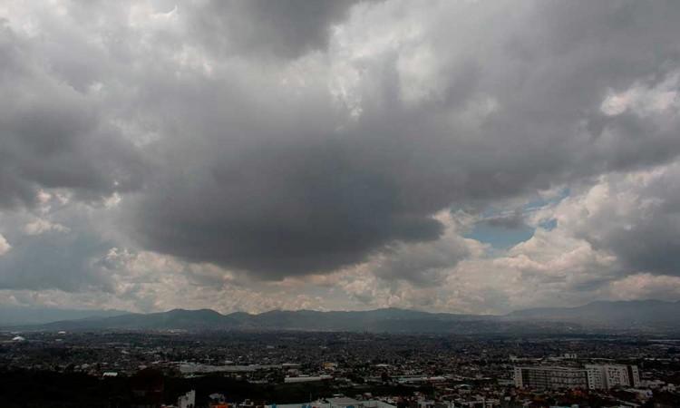 Genevieve se fortalece a huracán categoría 4 en México
