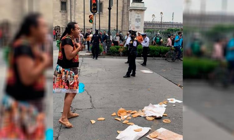 Policías despojan de su bici a #LadyTacosDeCanasta y ciudadanos le ayudan a recuperarla