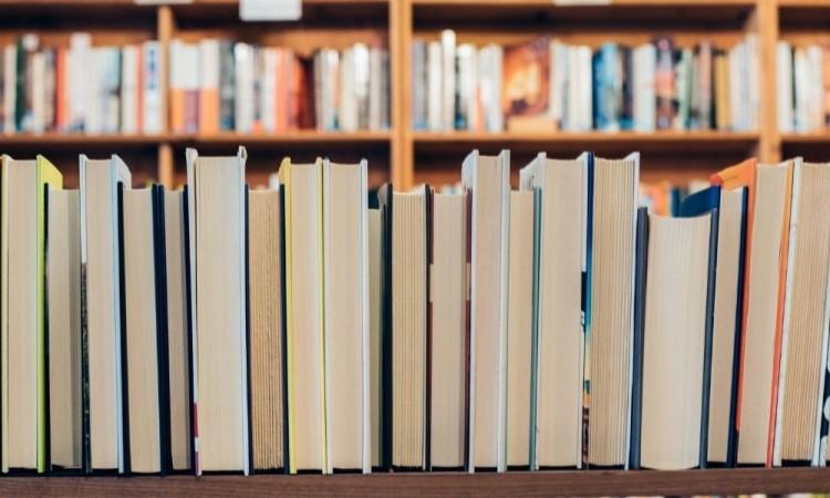 Te ofrecemos algunos de los enlaces a los libros que se encuentran disponibles.