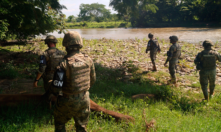Indígenas retienen a 40 soldados para reclamar obras rezagadas en Chiapas