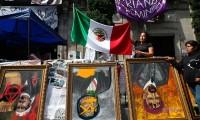 López Obrador dice que protesta de mujeres es una 'exageración'