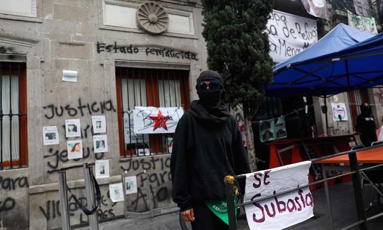 Desalojo de feministas en DDHH en Ecatepec termina con 13 detenidas