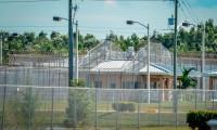 México pide que Estados Unidos aclare abusos a mujeres en cárceles de migrantes