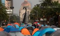 Sheinbaum no evacuará a manifestantes acampados contra López Obrador