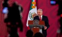 Gobierno de México denuncia a 70 funcionarios por evasión de impuestos