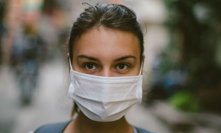 López-Gatell indicó que hay 889 mil 086 casos estimados de coronavirus.