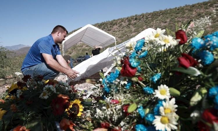 López Obrador se reúne con familia mormona a once meses de masacre en Sonora