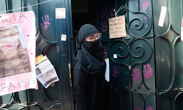 Se cumple un mes de la ocupación feminista en la CNDH