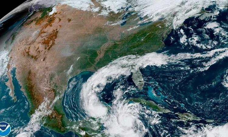 México declara alerta roja en Cancún por llegada del huracán Delta