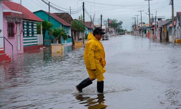 Delta recobra fuerzas sobre el Golfo de México camino de EEUU