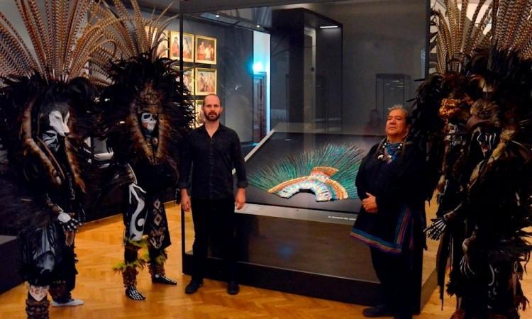 """El penacho es demasiado frágil y no podrá trasladarse """"al menos en 10 años: Museo de Viena"""