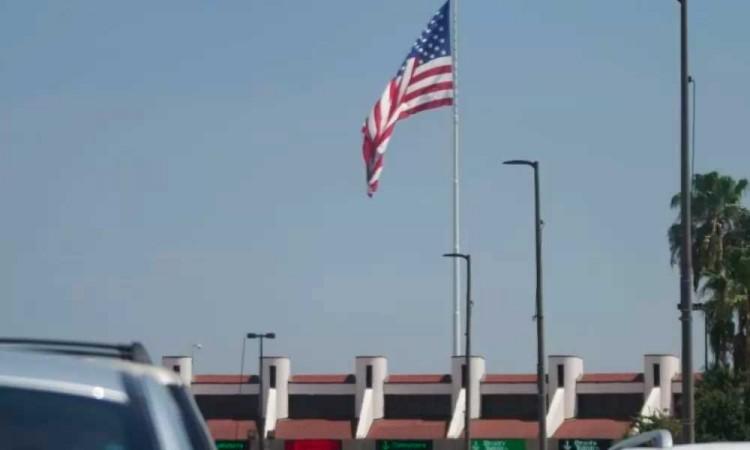 Frontera terrestre de México y Estados Unidos seguirá cerrado
