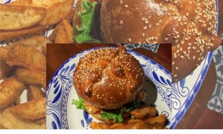 Por temporada llega la hamburguesa en pan de muerto