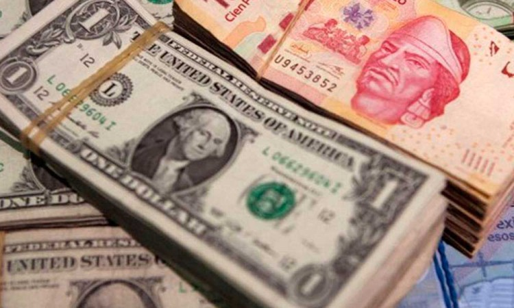 Peso mexicano se cotiza a 20.88 por dólar