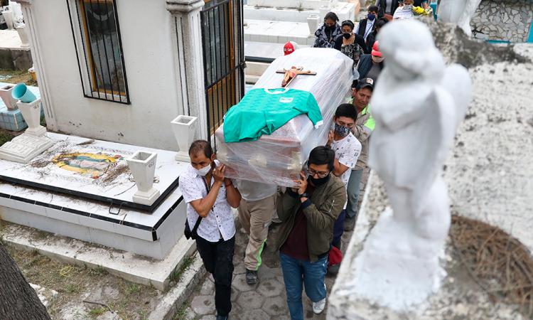 México registra 93 mil 228 decesos y 943 mil 630 casos por COVID-19