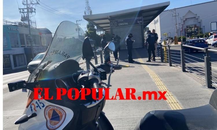 En riña entre ambulantes golpean a dos guardias del RUTA