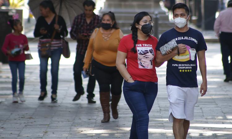 México rebasa 95 mil muertes por covid entre rebrotes
