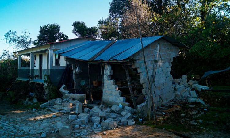 Familias de Chiapas y Tabasco abandonan sus viviendas por inundaciones