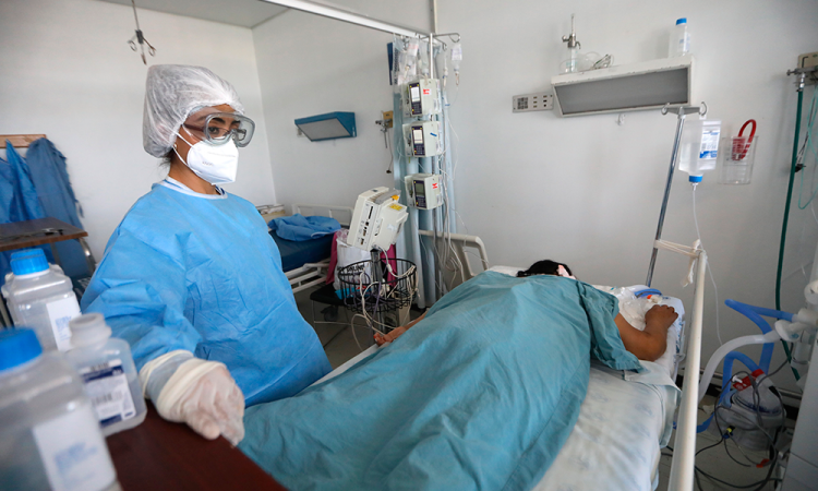 No somos actrices: el clamor de una enfermera mexicana con su madre intubada