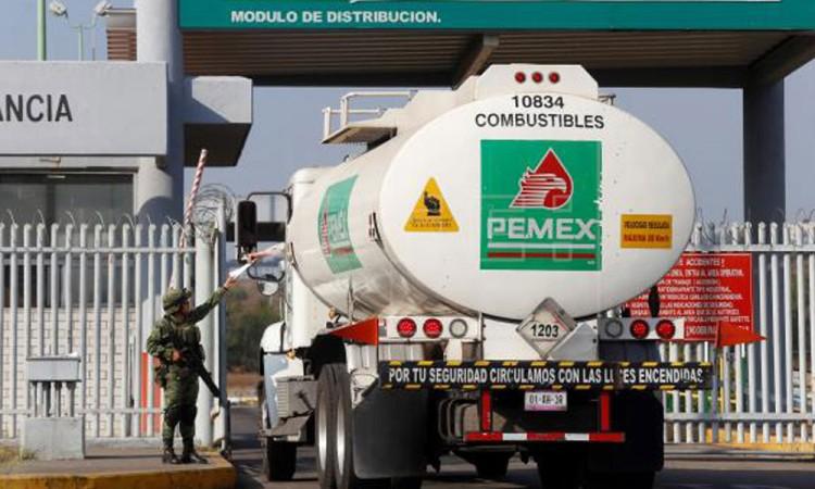 Pemex propone que Banxico invierta reservas en bonos de la petrolera
