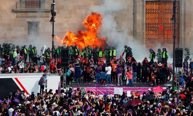 ONU pide al México proteger y no atacar a mujeres manifestantes