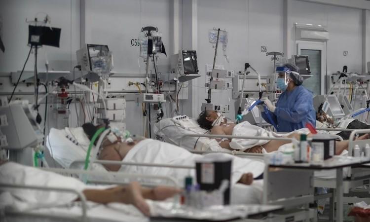 En el país se registran casi 785 muertes por millón de habitantes.