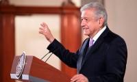 López Obrador celebra la histórica supresión del fuero presidencial