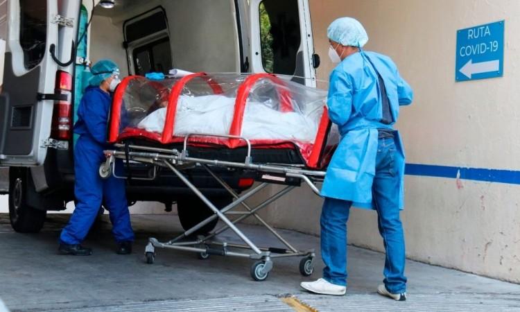 Las autoridades sanitarias tienen actualmente 15 mil 926 muertes sospechosas.