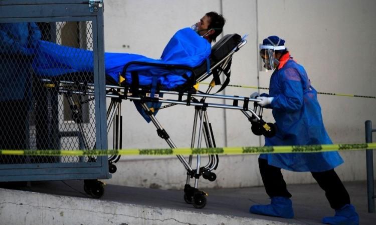 Hugo López-Gatell aseguró que el país experimenta el segundo pico de la pandemia.